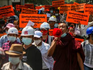 Opnieuw komen honderdduizenden mensen op straat in Myanmar: razzia's bij medestanders Aung San Suu Kyi zijn geen rem op protesten