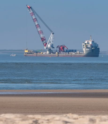 Wat doen die schepen toch voor de Vlissingse kust?