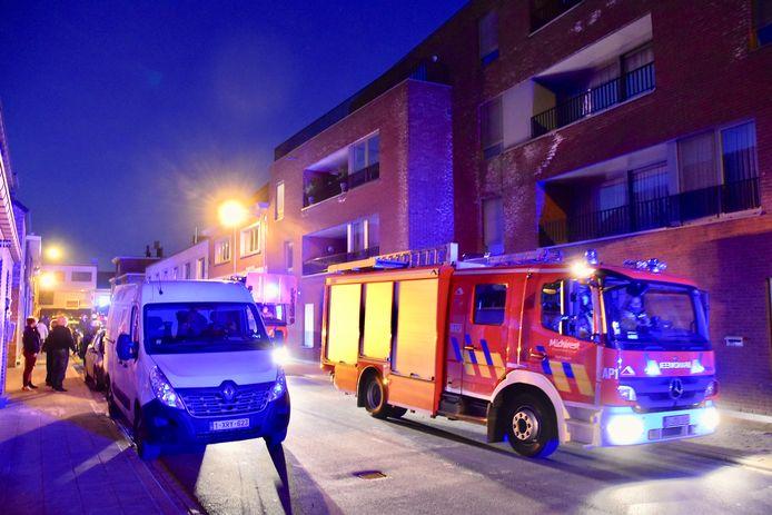 De brand in een flat langs de Bellevuestraat in izegem bleek uiteindelijk vals alarm te zijn.