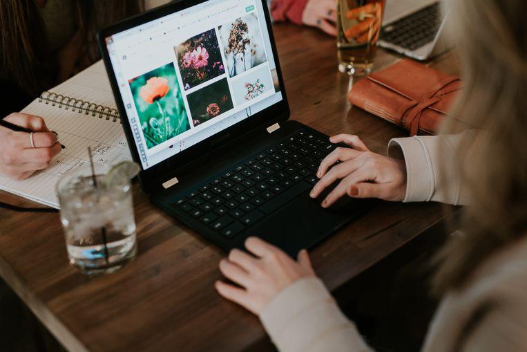 Ook voor minder dan 450 euro vind je een deftige laptop. Beeld Unsplash