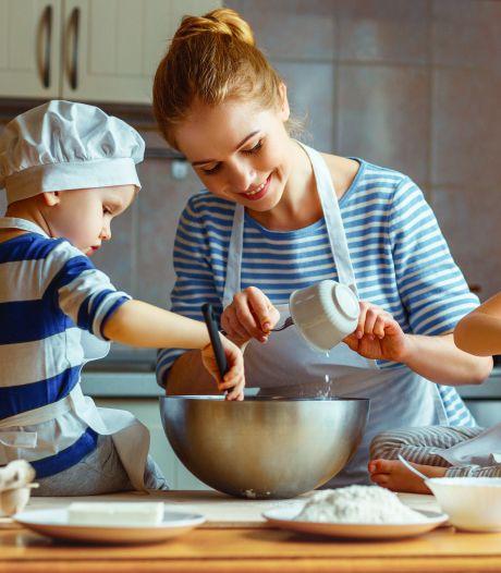 'Mijn zoon mag best leren dat borden niet vanzelf de vaatwasser in lopen'