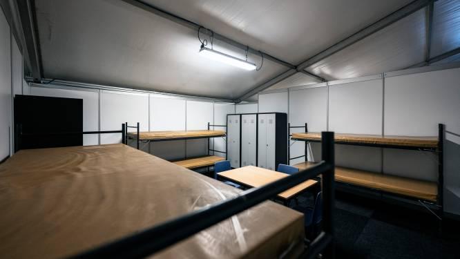 Kamers op Heumensoord zijn wel érg sober, vindt Stichting Vluchteling: 'Geen daglicht, zo basaal'
