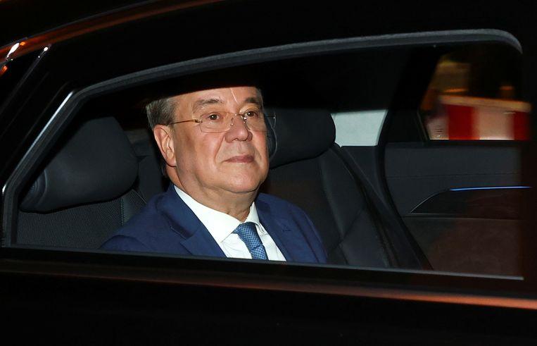 CDU-leider Armin Laschet na de eerste exitpolls op een voor zijn partij zwarte dag. Beeld REUTERS