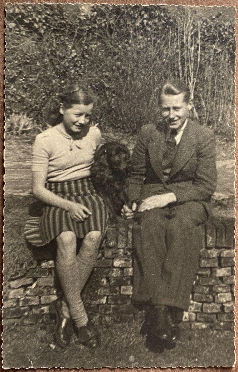 Met zijn zus Agnes in 1939 Beeld
