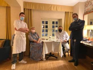"""Sterrenchef Vrijmoed kookt in keuken van Marriott-hotel, gasten genieten op hun kamer: """"Alsof we op onze eerste date zijn"""""""