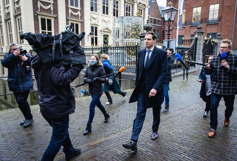 Wopke Hoekstra, minister van Financiën, op het Binnenhof voorafgaand aan de wekelijkse ministerraad. Beeld ANP