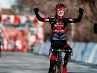 "Denise Betsema wint Ethias Cross in Eeklo na spannende wedstrijd: ""Gelukkig maakte Manon Bakker ook een foutje"""