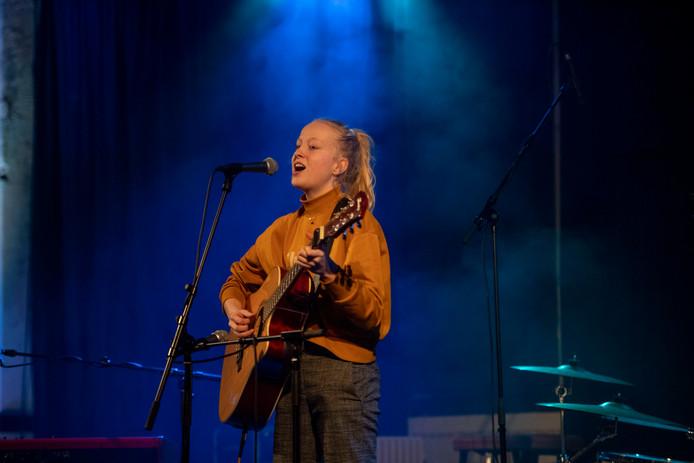 Open Mic in Nijverdal, een evenement voor jonge muzikanten en popbands.