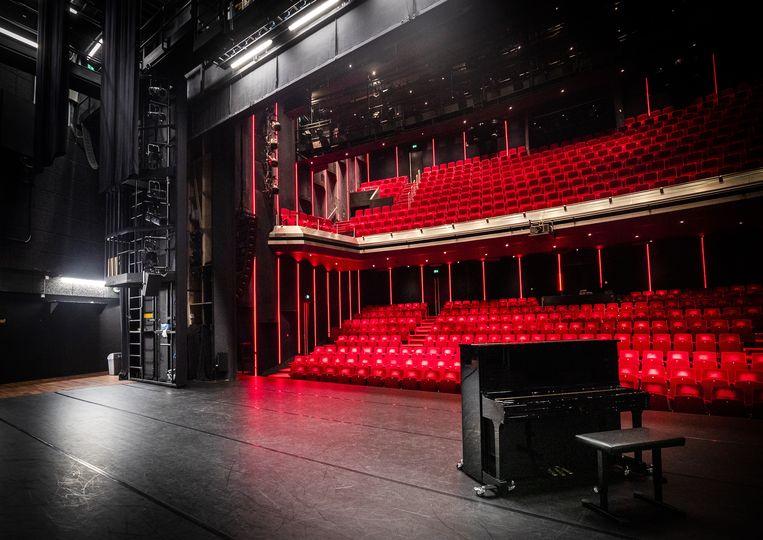 Een lege zaal in DeLaMar. Het theater mag van het kabinet open, maar houdt de deuren voorlopig nog dicht.  Beeld ANP