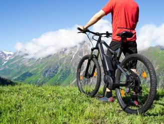 Belg zwaargewond tijdens afdaling met e-bike in Oostenrijkse Alpen
