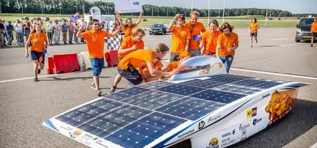 Zelfverzekerd naar Australië na wereldrecord met zonnewagen