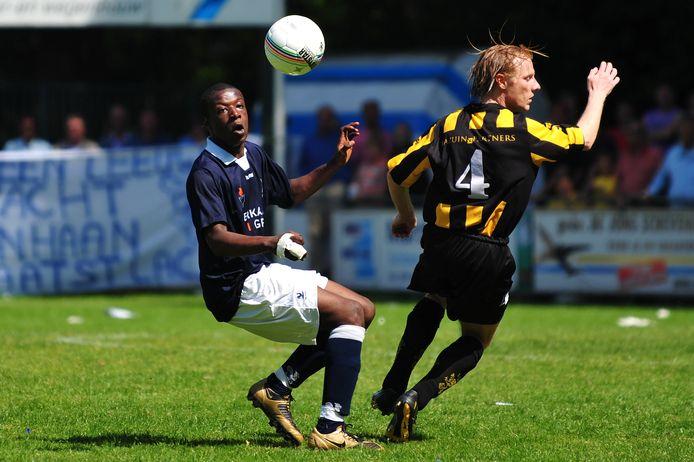 Bright Ampong in zijn eerste seizoen Quick 1, hier tegen HVV in de nacompetitiefinale voor promotie naar de eerste klasse.