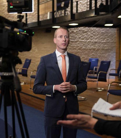 Burgemeester van Urk langer uit de running door ziekte, Ineke Bakker keert terug als waarnemer