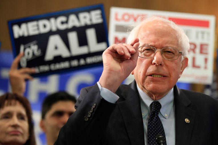 Bernie Sanders woensdag in Washington, waar hij een wetsvoorstel presenteerde voor een algemene ziektekostenverzekering.  Beeld AP