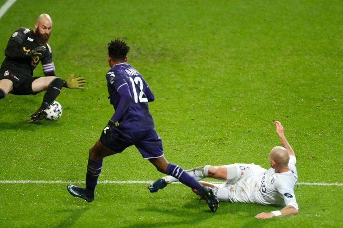 Paul Mukairu met de 2-0 voor Anderlecht tegen Beerschot.