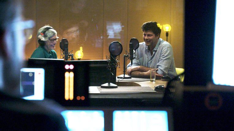 Annick Ruyts en Wim Lybaert in ' De slapelozen'. Beeld © VRT - De Chinezen