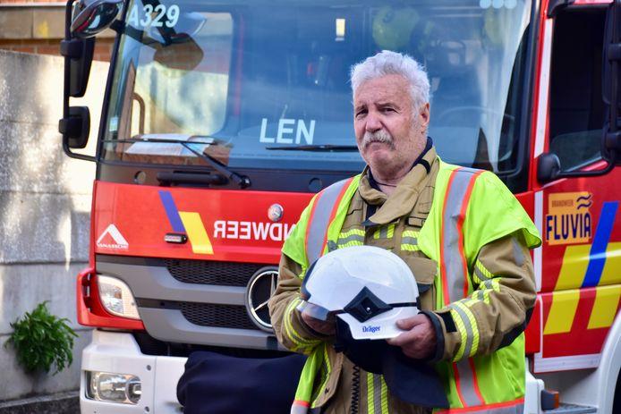 Bernard Demets (69) uit Lendelede, de oudste brandweerman van de hulpverleningszone Fluvia, zet een punt achter zijn carrière.