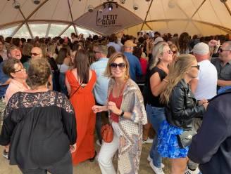 """Uitgelaten sfeertje op WECANDANCE-festival waar mondmaskers en afstand houden niet meer hoeft: """"Het is toch wennen"""""""
