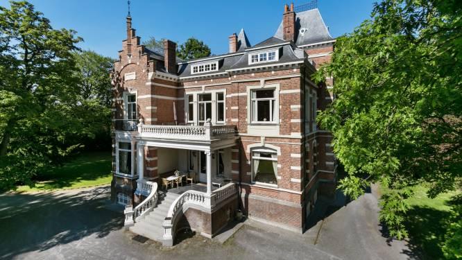Imposant kasteel met vier slaap- en badkamers, een park van 2 hectaren, een riant koetshuis voor je wagenpark en zelfs een centrale stofzuiger staat te koop voor 1.700.000 euro