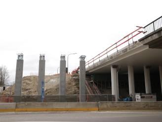 Pastoor Coplaan drie dagen afgesloten voor plaatsen brugbalken
