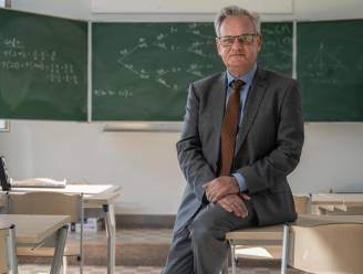 """Oscar Romerocollege neemt afscheid van directeur Hans Vanhulle: """"Dankbaar voor alle kansen in schoolloopbaan van veertig jaar"""""""