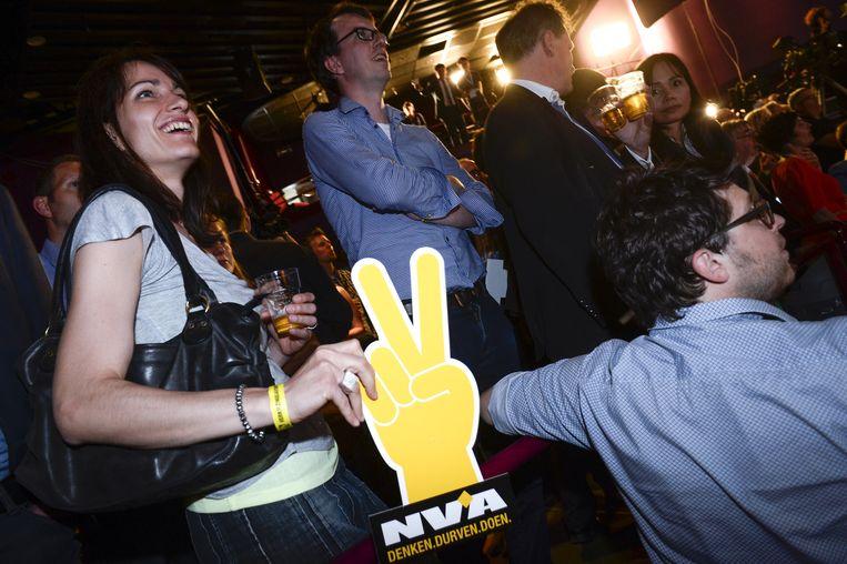 N-VA-leden vieren de overwinning in de Viage in Brussel. Beeld BELGA