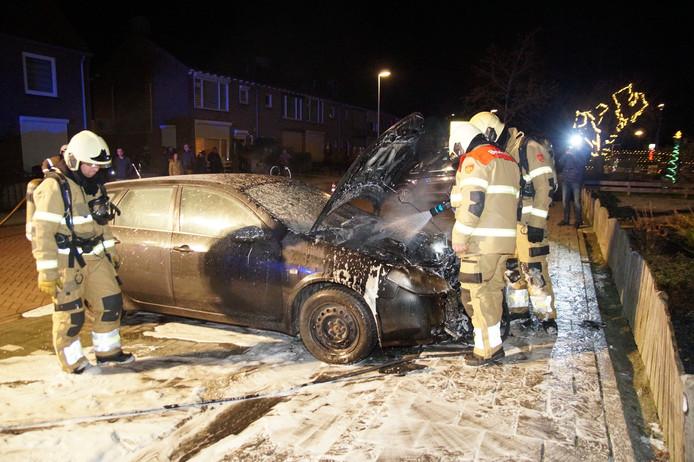 De auto brandde aan de voorkant uit