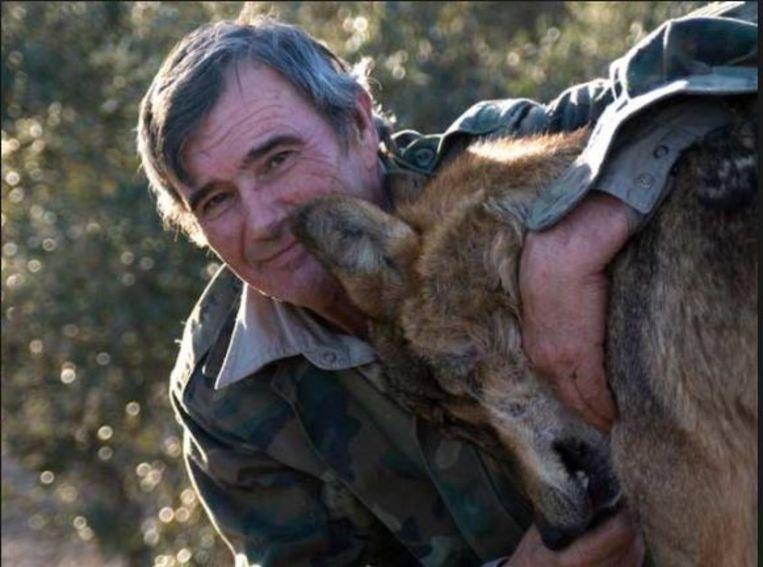 Marcos Rodríguez Pantoja leefde van zijn zevende tot zijn negentiende met wolven. 'De Spaanse Mowgli' kon daarna nooit echt aarden tussen de mensen.