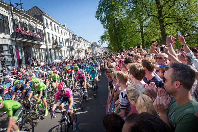 De renners van de Giro d'Italia vertrokken op 7 mei uit Arnhem en finishten er op zondag 8 mei.
