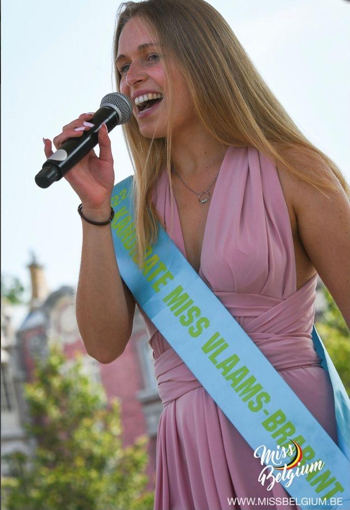 Tatjana Smismans uit Buizingen wil Miss Vlaams-Brabant worden.