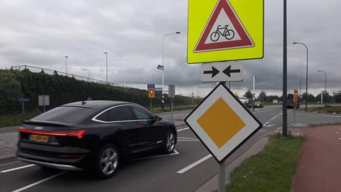 Hoe is oversteek bij Waalwijkse fietsbrug veilig te krijgen?: 'Twee dodelijke ongevallen, dat is triest'