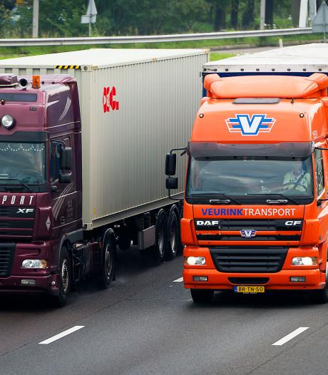 A58 van Breda naar Tilburg weer open na ongeluk met 5 auto's en 2 vrachtwagens