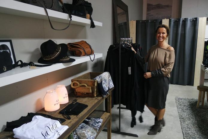 Op donderdag opende Karin Aarts modezaak Trends in de Galerij in Oss.