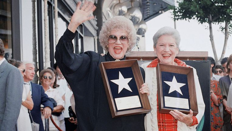 Patty (links) en Maxine Andrews in 1987. Beeld AP