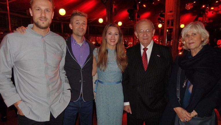 Familieportret: Chef Joris Bijdendijk met broer, partner Elsa, vader Frank en moeder Mieke Beeld Schuim