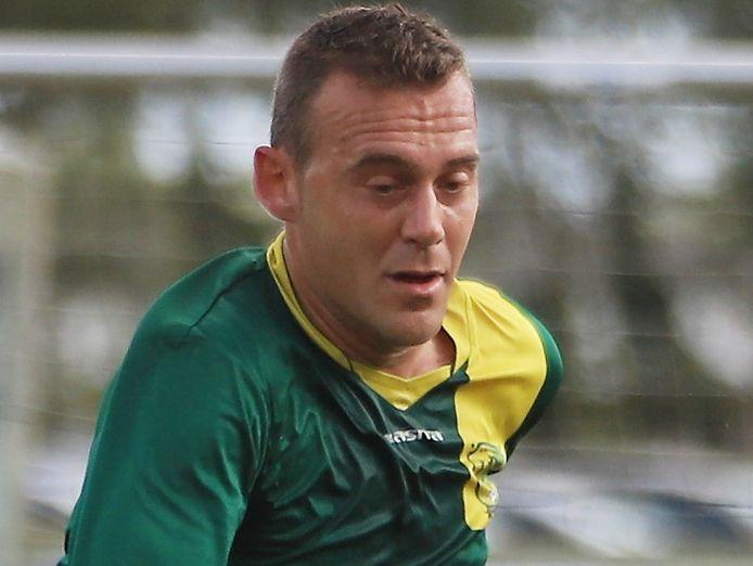 Manolito Lucas is niet alleen een speler die elke trainer in zijn ploeg wil, maar ook een speler die elke voetballer als ploegmaat wil.