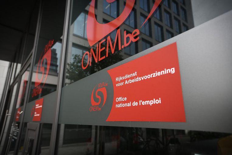 De Rijksdienst voor Arbeidsvoorziening heeft 461 controles ter plaatse uitgevoerd, op 1,26 miljoen tijdelijk werklozen bij bijna 140.000 werkgevers  Beeld Belga