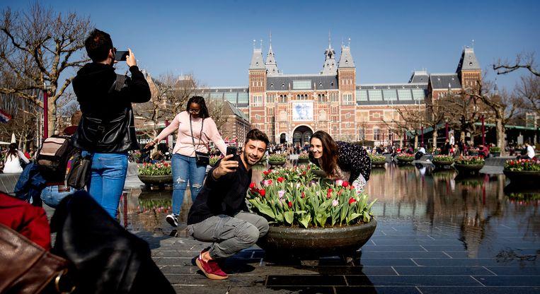Op de foto bij het Rijksmuseum. Beeld ANP