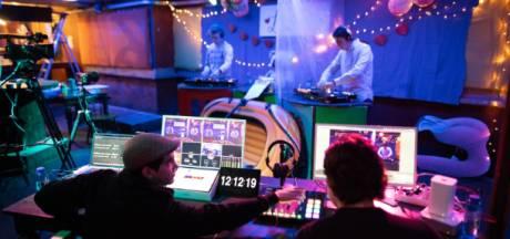 Verantwoord feesten in coronatijd via livestreams met koptelefoons