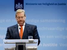 Van der Steur erkent falen ambtelijke top in Teeven-deal