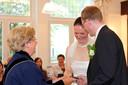 Harm en Irene Rutten trouwden op 9 september 2009 in Oisterwijk. Trouwambtenaar Treesje Ogier was hun overbuurvrouw.