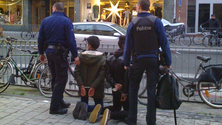 Eind november was er in Kortrijk een incident met jongeren die hardhandig aangepakt werden door agenten maar uiteindelijk onschuldig bleken. Beeld xavier coppens