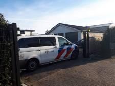 Politie doet invallen in regio Utrecht: vuurwapens, dure auto's en boten in beslag genomen