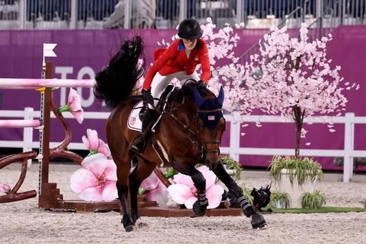 Jessica Springsteen op haar paard Don Juan van de Donkhoeve.