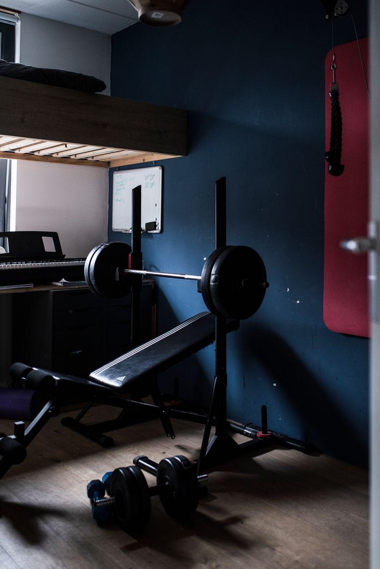 Pepijn had zijn kamer omgebouwd tot minisportschool. Beeld Linelle Deunk