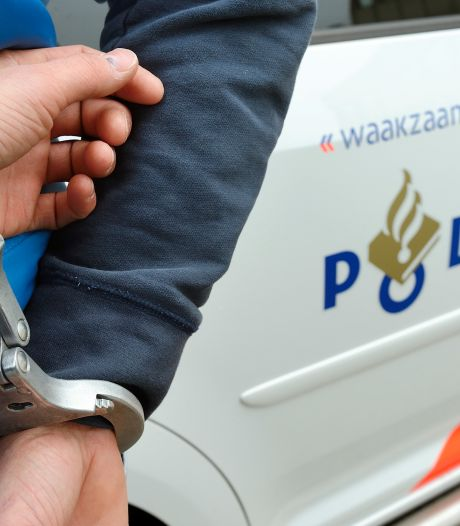 Man opgepakt in Deventer voor dreiging met mes