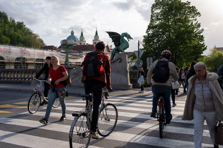 Ecologisch bewustzijn domineert het straatbeeld van Green Capital Ljubljana.  Beeld Josefien Tondeleir