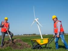 Hier komen - na 22 jaar praten - de eerste vier windmolens van de Veluwe (en: is nu het hek van de dam?)