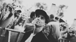"""Regisseur Nicolas Caeyers over overlijden Avicii: """"Geschokt maar niet geheel onverwacht"""""""