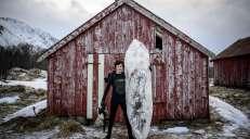 fotoreeks over Surfen op een ijsblok? Deze Scandinaviërs tonen dat het kan